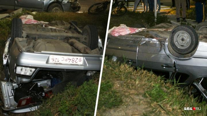 Машина перевернулась в канаву: пять человек пострадали в ДТП в Батайске