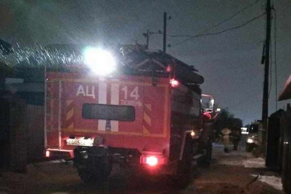 В обоих пожарах, которые случились этой ночью на Щербакова, предварительно, виноваты люди. В первом случае кто-то неправильно пользовался печью, а во втором — вероятней всего, поджог