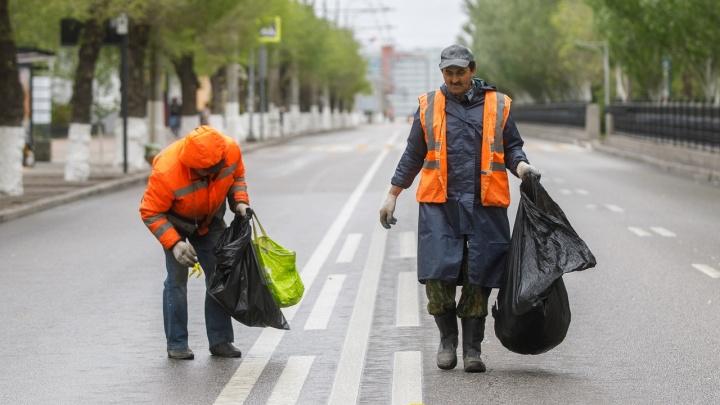 Сначала генеральная уборка: в Волгограде возобновили движение по проспекту Ленина