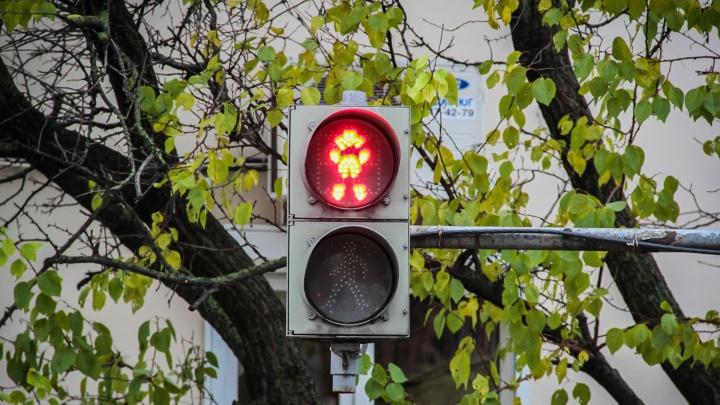 174 новых светофора установят на улицах Ростова до конца года