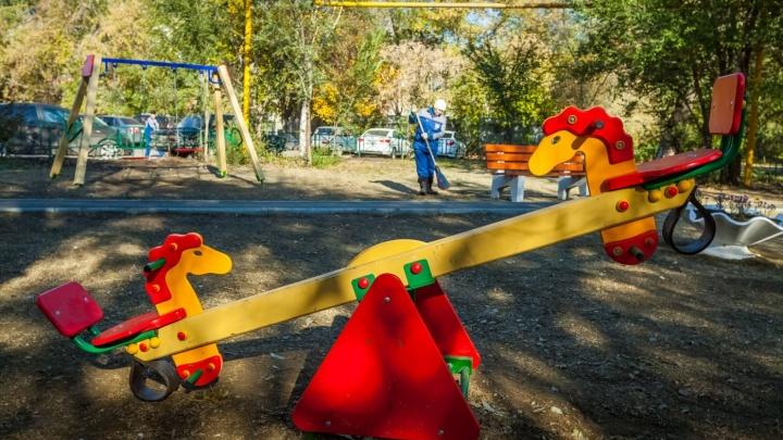 В Зауралье детский сад заплатит компенсацию ребенку, ударившемуся о качели