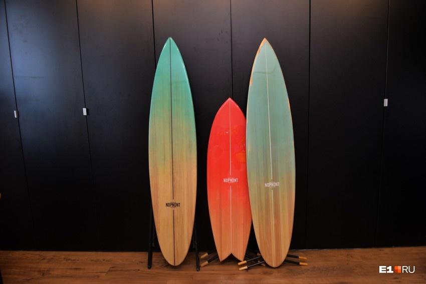 Сёрфить на такой доске безопасно даже раскалённым утюгом