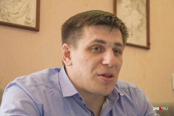 Андрею Боровикову уже несколько месяцев запрещено общаться с участниками акции протеста 7 апреля