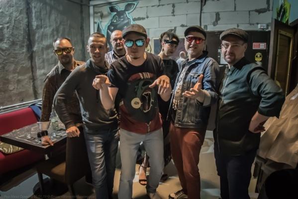 Музыканты опубликовали песню в своей группе «ВКонтакте»