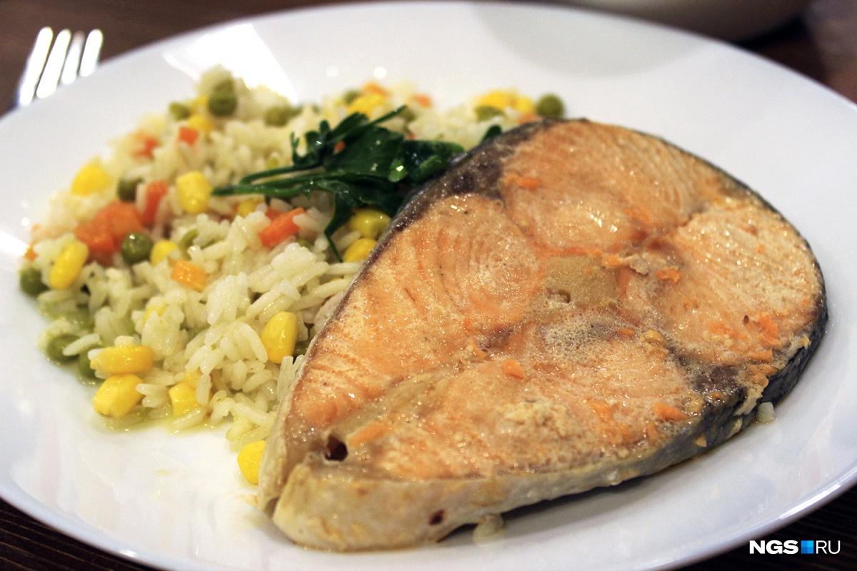 Стейк лосося с рисом в «Подсолнухах» за 191 рубль
