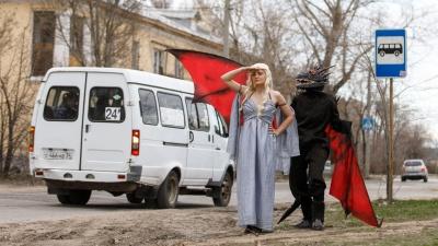 На пути к Вестеросу: персонажи «Игры престолов» заглянули в Волжский перед премьерой