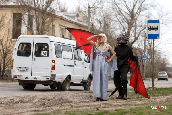 Перед премьерой Дейнерис с драконом заглянула в Волжский