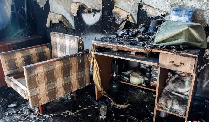 В Волгоградской области мужчина и женщина заживо сгорели в частном доме