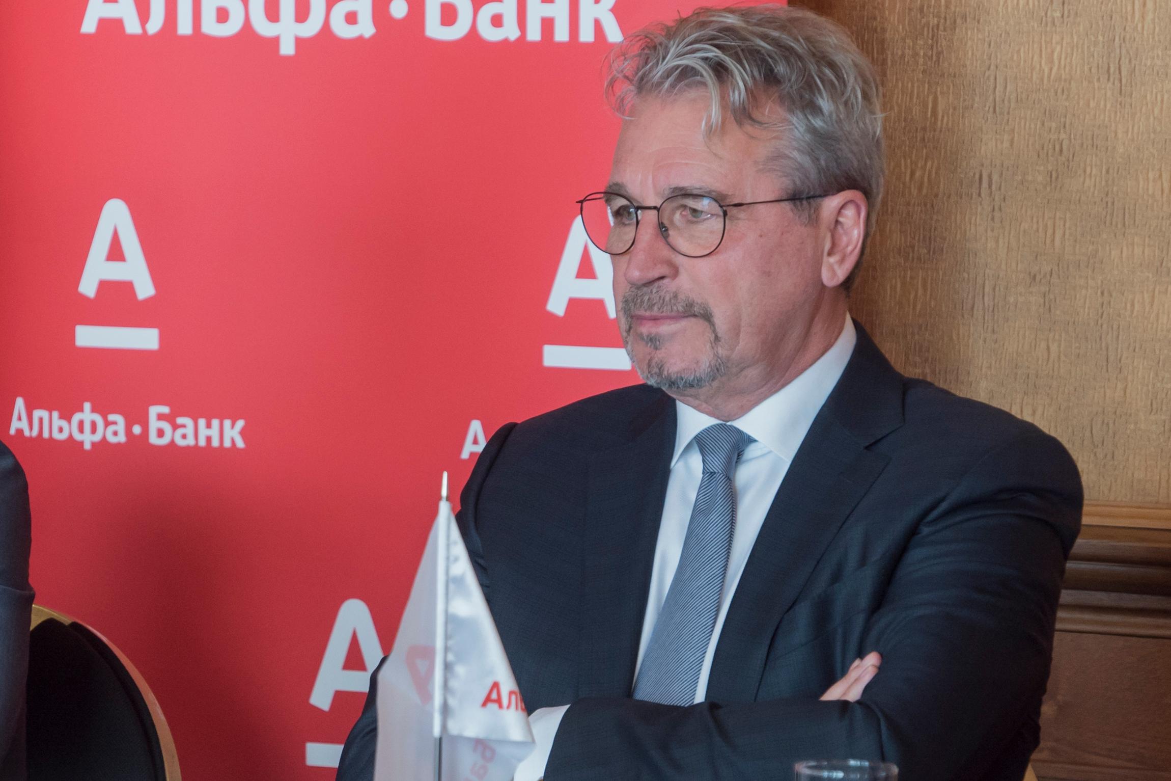 Олег Сысуев последние годы не политик, а банкир