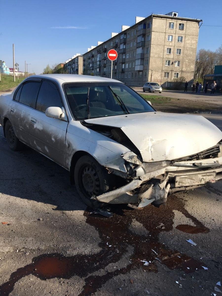 Фото: в Кузбассе пьяный водитель протаранил внедорожник и скрылся с места ДТП