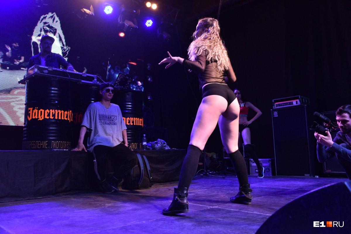 Эффектные девушки и их горячие танцы: в Екатеринбурге прошёл фестиваль «Орех-2»