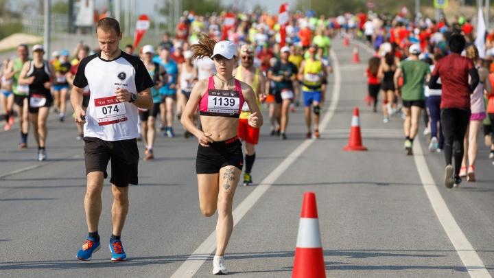 Все бегут, и мы бежим: волгоградцы попробуют отвоевать звание беговой столицы России