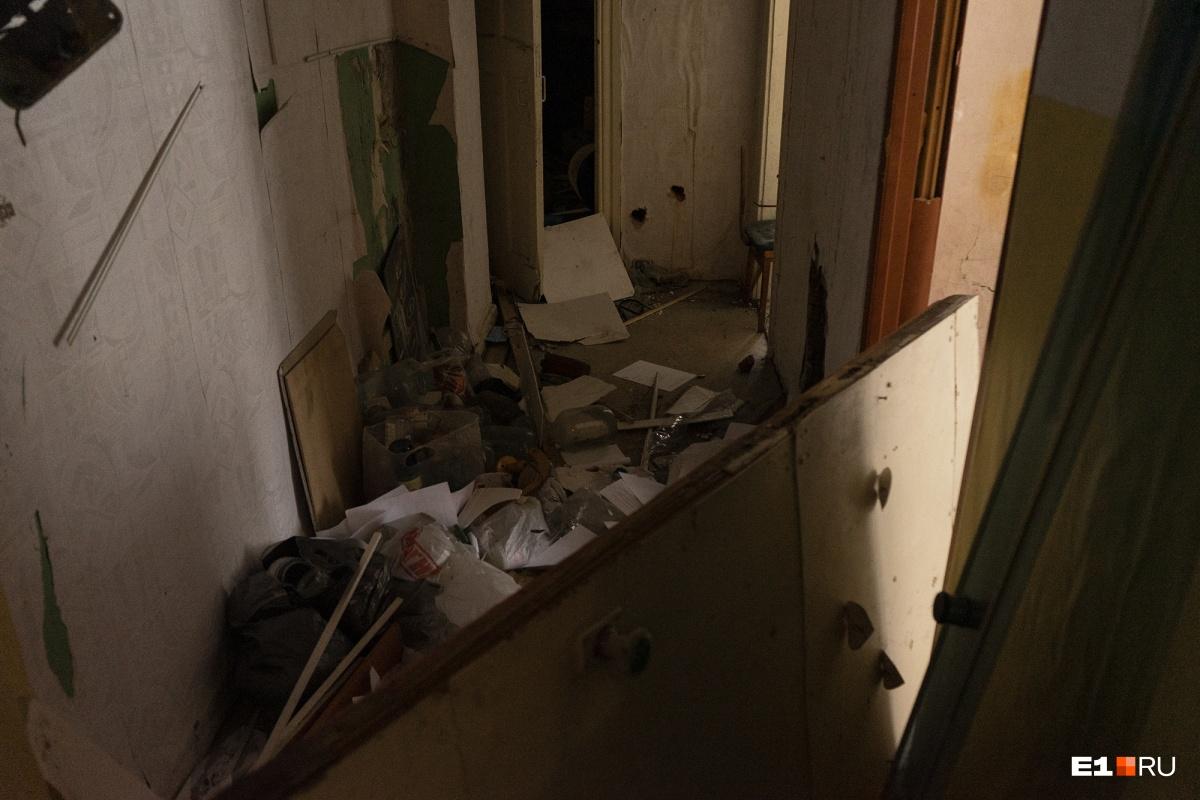 В бывших квартирах полнейшая разруха