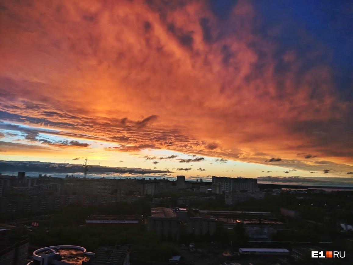 Закат с 19 этажа на ЖБИ