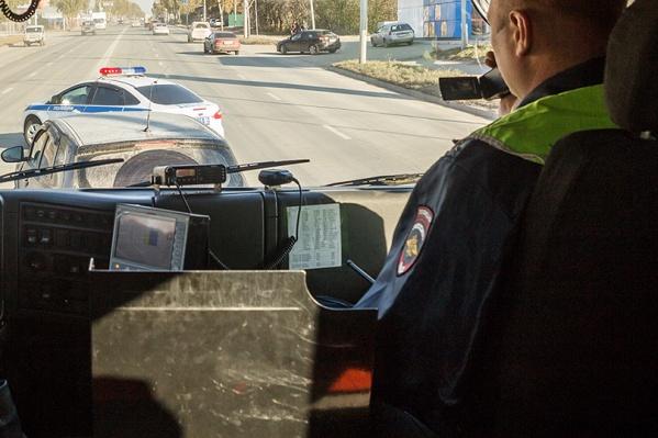 Угонщик сел за руль Hyundai Solaris, когда водитель вышел