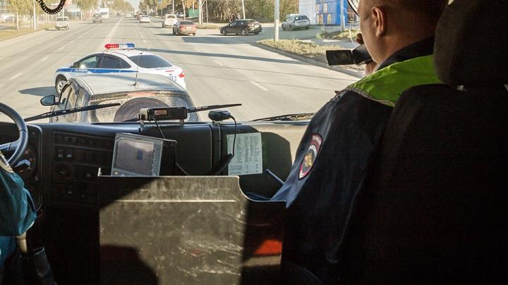 Двое новосибирских таксистов устроили погоню за угонщиком