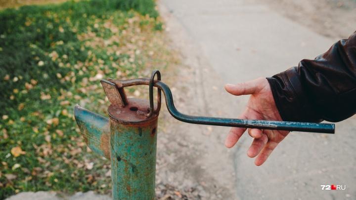 70-летней пенсионерке, которая жаловалась на разобранную колонку, вернули воду