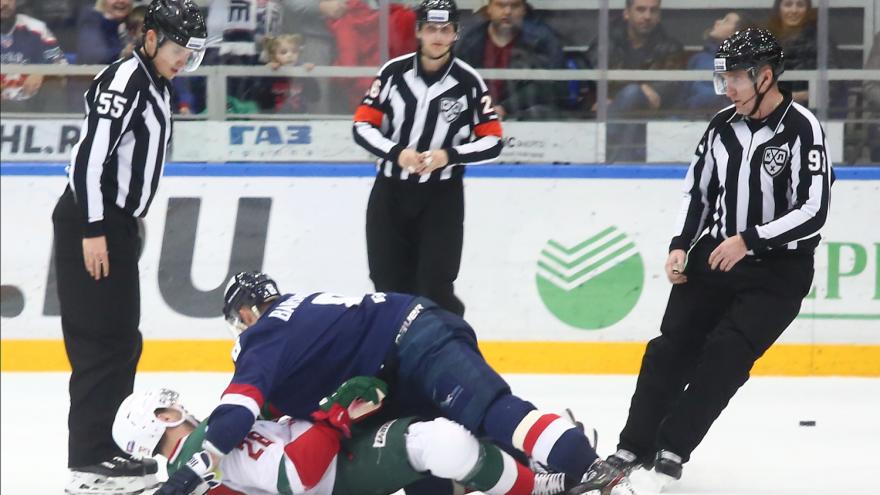 Драма на льду: 15 фото с матча ХК «Торпедо» против казанского «Ак Барса»