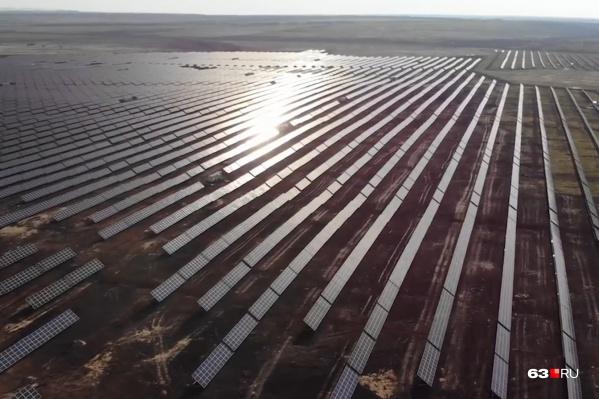 Солнечная электростанция занимает площадь более двух квадратных километров