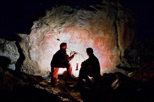 В пещере насчитывается более 200 рисунков эпохи палеолита