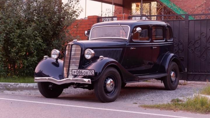 Тюменец продаёт старинный автомобиль за 12 миллионов. На нём даже возили секретаря горкома КПСС