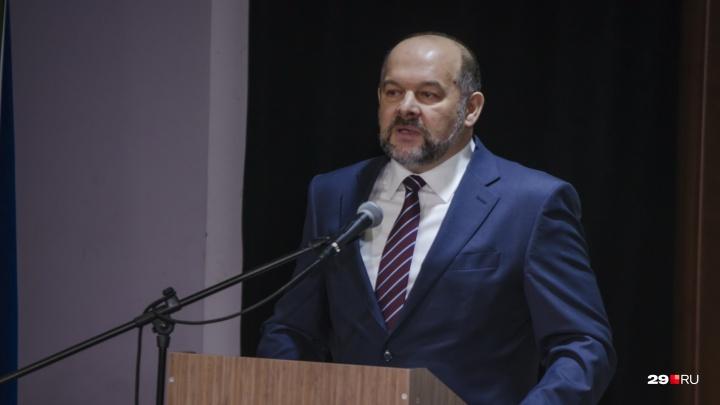 «Хватит танцевать»: губернатор Игорь Орлов поручил запустить мусорную реформу в Поморье