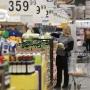 «В магазины ходят бедные гедонисты»: чем недовольны торговые сети и куда заманят покупателей
