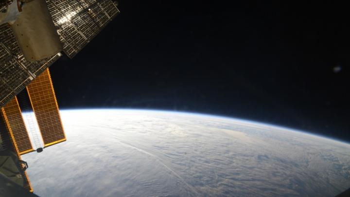 «Можно спутать с самолётом»: екатеринбуржцы всю неделю могут смотреть, как в небе пролетает МКС