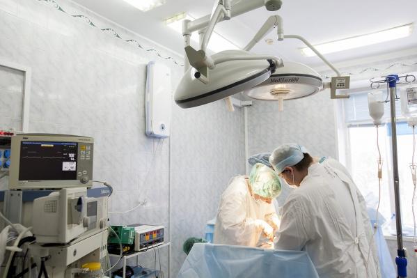 Пациенты вряд ли станут осуждать новосибирских онкологов, если они вдруг заявят о проблемах, как московские коллеги из центра имени Блохина, говорит автор колонки Юлия Чёрная