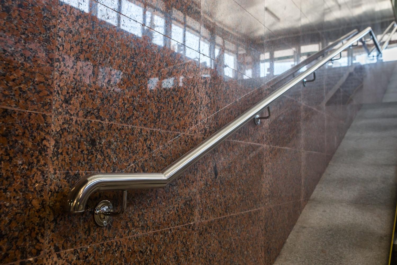 Новая облицовка стен термообработанным гранитом