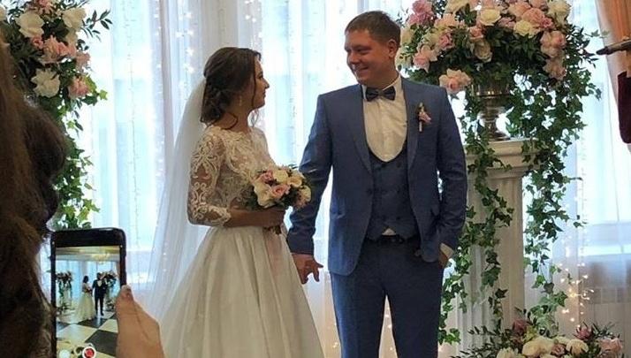 Молодожены попросили гостей пожертвовать деньги на благотворительность вместо цветов на свадьбу