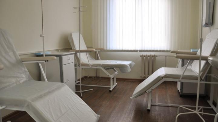 Красноярцев попросили приносить картины в онкоцентр, чтобы отвлечь пациентов от болезни