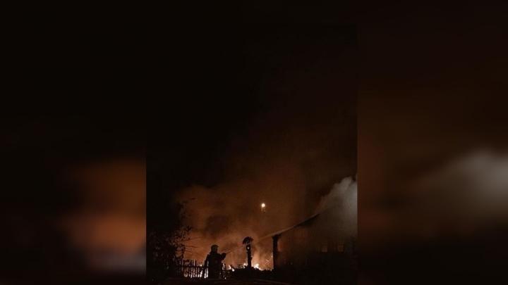 В Усть-Мане дотла выгорел частный дом