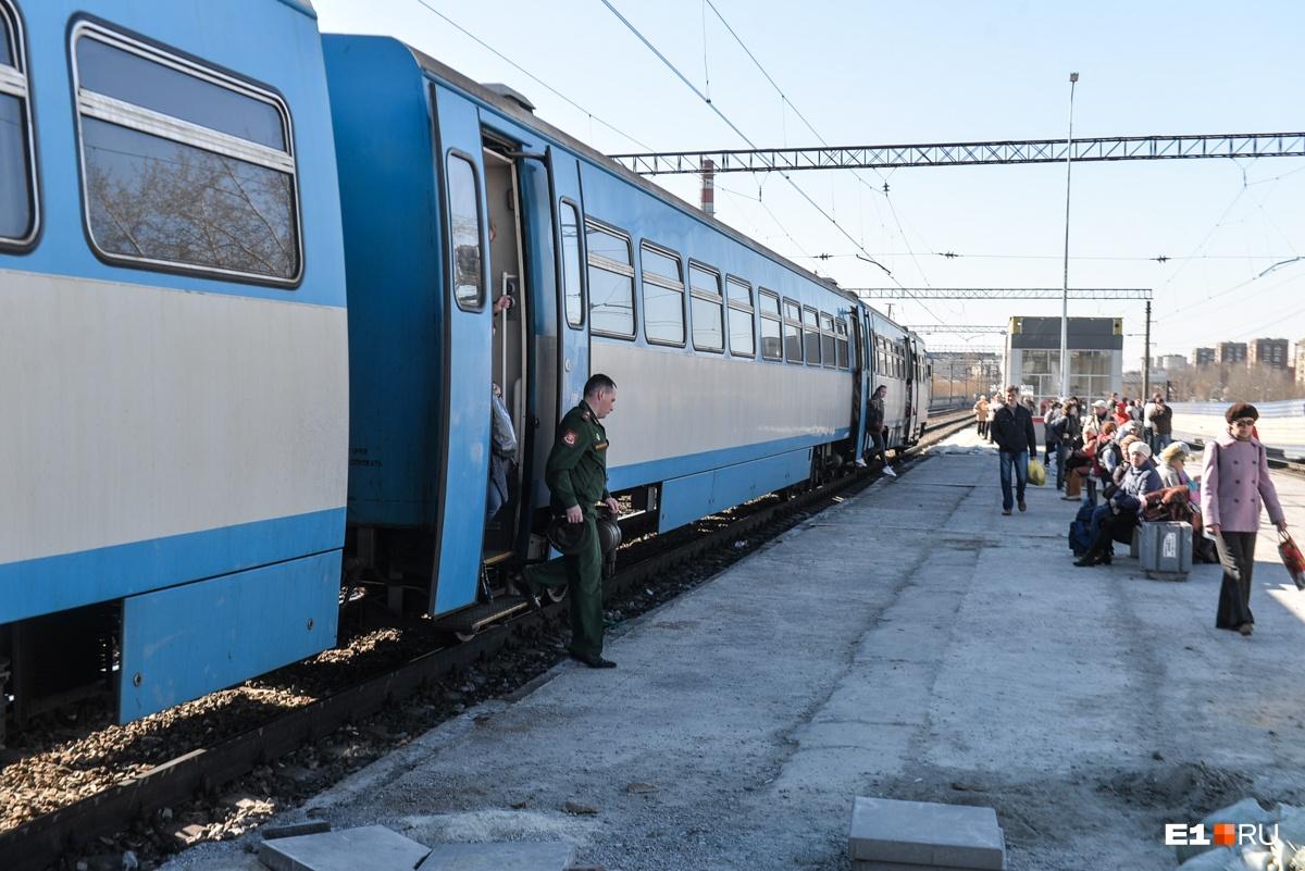 На станции Первомайская построили высокую платформу