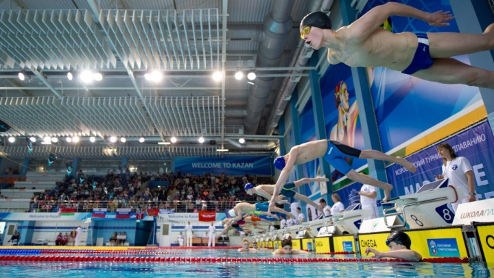 «В конце ускорился»: юный екатеринбуржец установил рекорд на международном турнире по плаванию