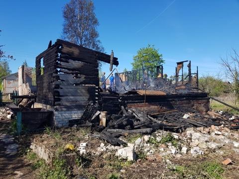 Поминки вместо дня рождения: подробности страшного пожара, где сгорели четыре человека