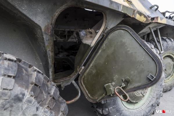 Волгоградские реконструкторы и студенты обещали покрасить боевые машины к Первомаю