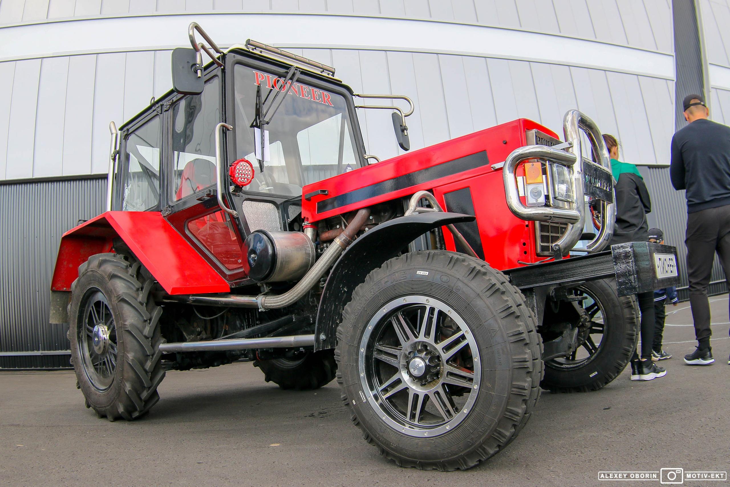 А как вам тюнингованный трактор?