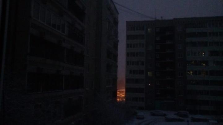 «Отключена половина поселка»: на Компрессорном пропало электричество