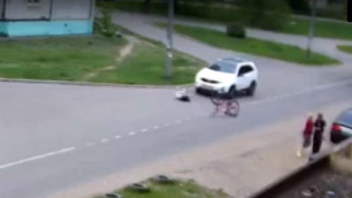 «Боимся этой дороги»: появилось видео, как мальчика-велосипедиста в Ярославле сбил автомобиль