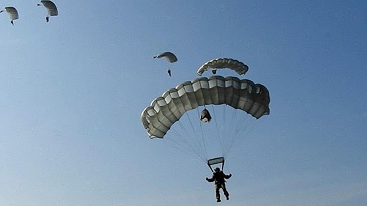 Спецназовцы ЦВО совершили более 5000 прыжков с парашютом в Самарской области