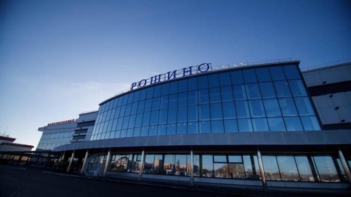 Из Тюмени в Москву не смог вылететь самолет Sukhoi Superjet