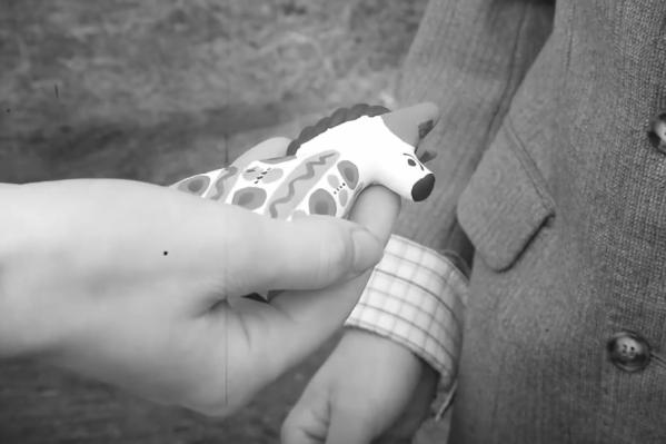 Глиняная игрушка стала семейным талисманом