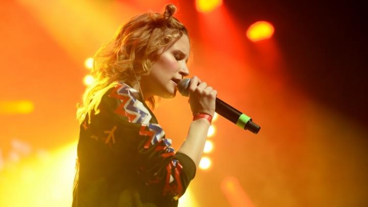 Монеточка отменила три концерта из-за болезни и легла под капельницу