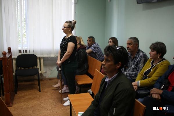 В Нижнем Тагиле суд начал рассматривать дело водителя лесовоза, которого обвинили в гибели целой семьи