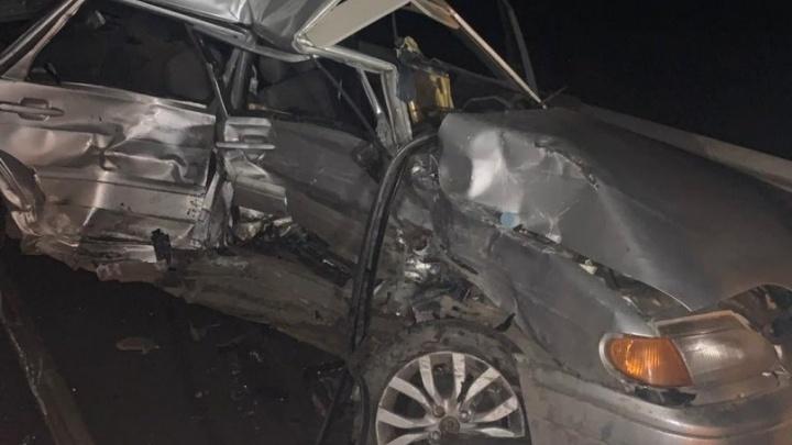 Под Самарой 23-летний водитель «влетел» на встречке в джип