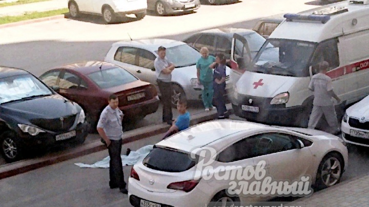 На Западном в Ростове из окна выпал молодой мужчина
