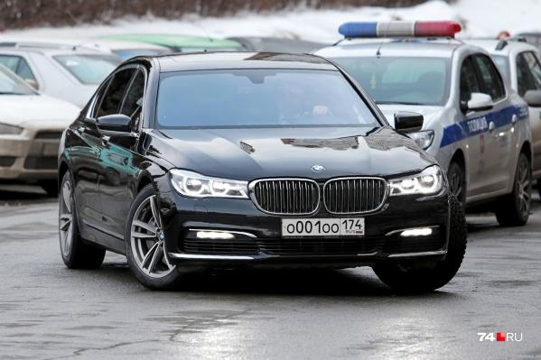 Номера на новом автомобиле главы региона остались прежними