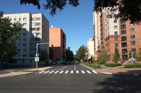 Перекрёсток улиц Тимирязева и Дачной расширили на одну полосу