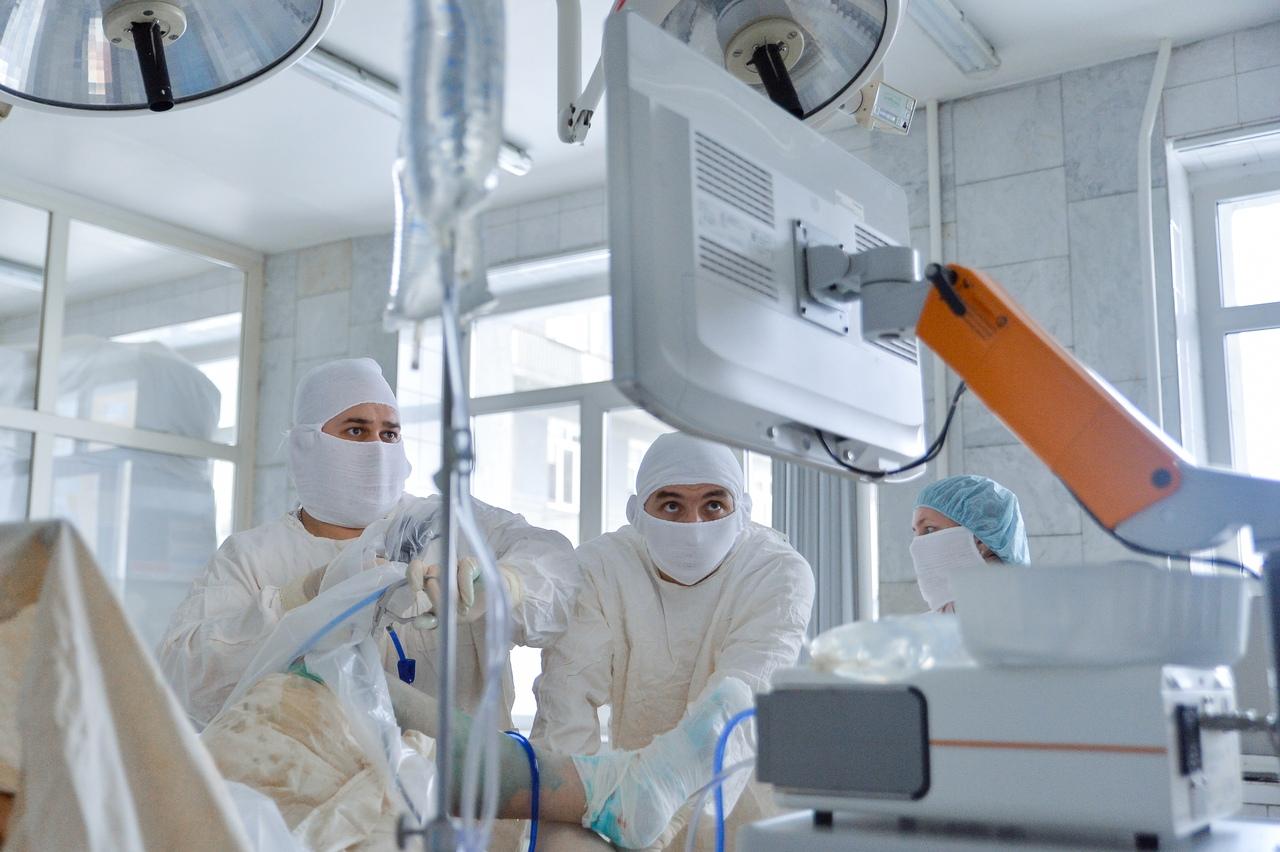 В четверг на новом оборудовании проведут операцию 29-летнему омичу
